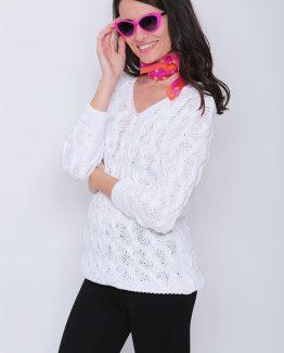 ΜΠΛΟΥΖΑ ΠΛΕΚΤΗ ΣΕ ΜΑΚΡΥ ΜΗΚΟΣ Μπλούζα Πλεκτή Λευκή Μακριά, με μανίκια και με σχέδιο στην πλέξη. Μπλούζα πλεκτή σε λευκό χρώμα και σε εφαρμοστή γραμμή. Μια βολική casual ανοιξιάτικη μπλούζα που δεν πρέπει να λείπει από την ντουλάπα σας καθώς μπορεί να φορεθεί ιδανική κατά την περίοδο της άνοιξης και να σας χαρίσει υπέροχα ανοιξιάτικα σύνολα. Για μια πρωινή εμφάνιση στη δουλειά μπορείτε να συνδυάσετε την Μπλούζα Πλεκτή Λευκή Μακριά, με ένα εφαρμοστό παντελόνι μονόχρωμο σε συνδυασμό με τις γόβες σας και από τσάντες μια oversized. Ολοκληρώστε το look σας με ένα δερμάτινο μπουφάν. Για μια βραδινή εμφάνιση που θα σας βγάλει ασπροπρόσωπες επιλέξτε να συνδυάσετε την Μπλούζα Πλεκτή Λευκή Μακριά με ένα κολάν και μπαρέτες. Από πανωφόρι επιλέξτε ένα μακρύ σακάκι και από τσάντες μια μικρή που κρεμιέται.