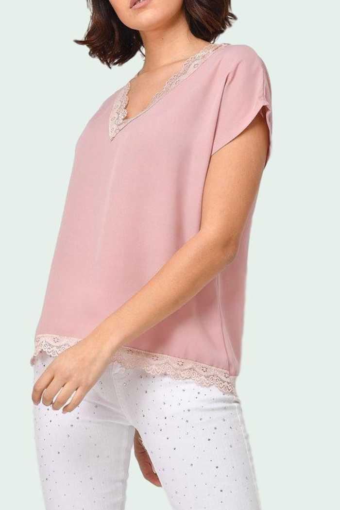 feb4a5e5d21 Μπλούζα Με V Δαντέλα Ροζ   Capriccioshop.gr   γυναικεία ρούχα