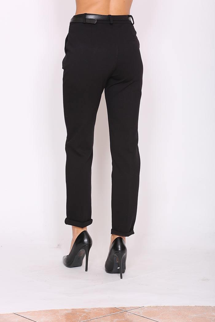 Παντελόνι Ίσιο Σε Μαύρο χρώμα,σε στενή γραμμή .