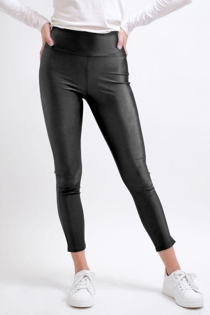 Παντελόνι Κολάν Metal Σε Μαύρο χρώμα,σε κολλητή γραμμή .