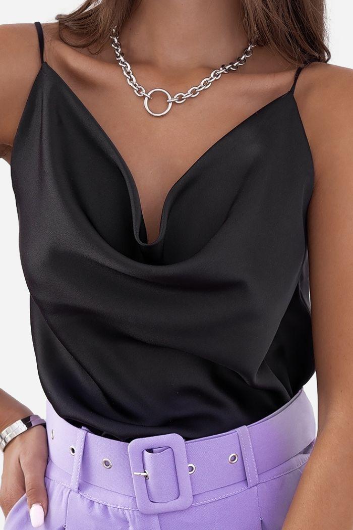 Μπλούζα Lingerie Drape Σε Μαύρο, σε ίσια γραμμή .
